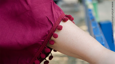 Blusa Granate Con Pompones De SheIn