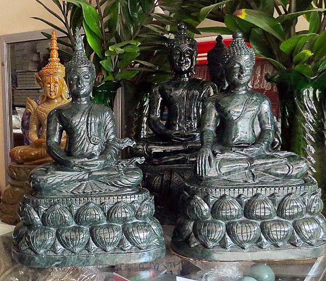 Sitting Jade Buddha Statues