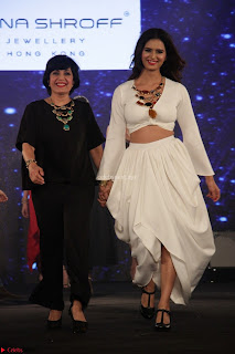 Meenakshi Dixit Walks the Ramp At Designer Nidhi Munim Summer Collection Fashion Week (8).JPG