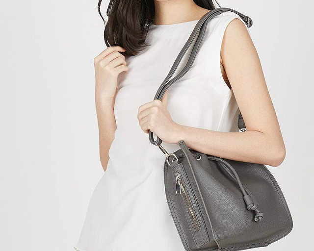 Pilihan Model Tas Bahu atau Shoulder Bag Wanita