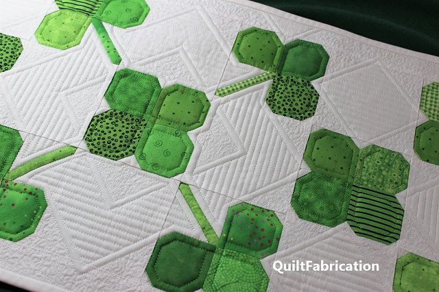 Clover Field Runner quilting by QuiltFabrication