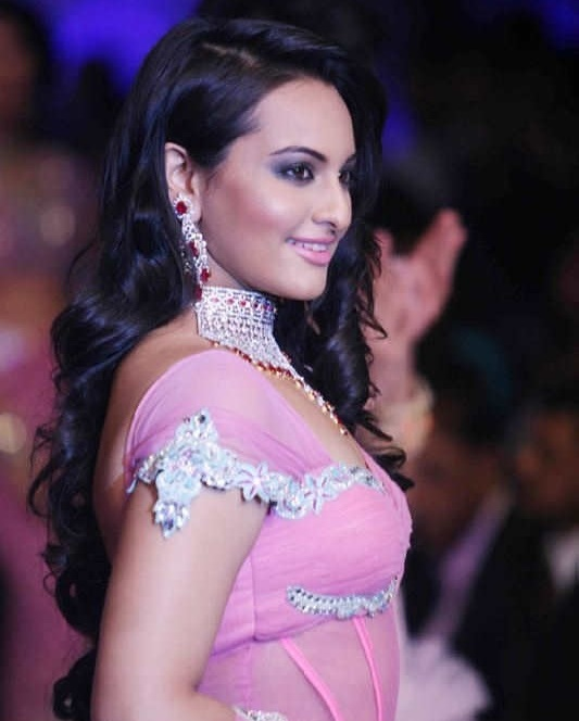 Actress Sonakshi Sinha Long Hair Stills In Pink Dress At Ramp Walk