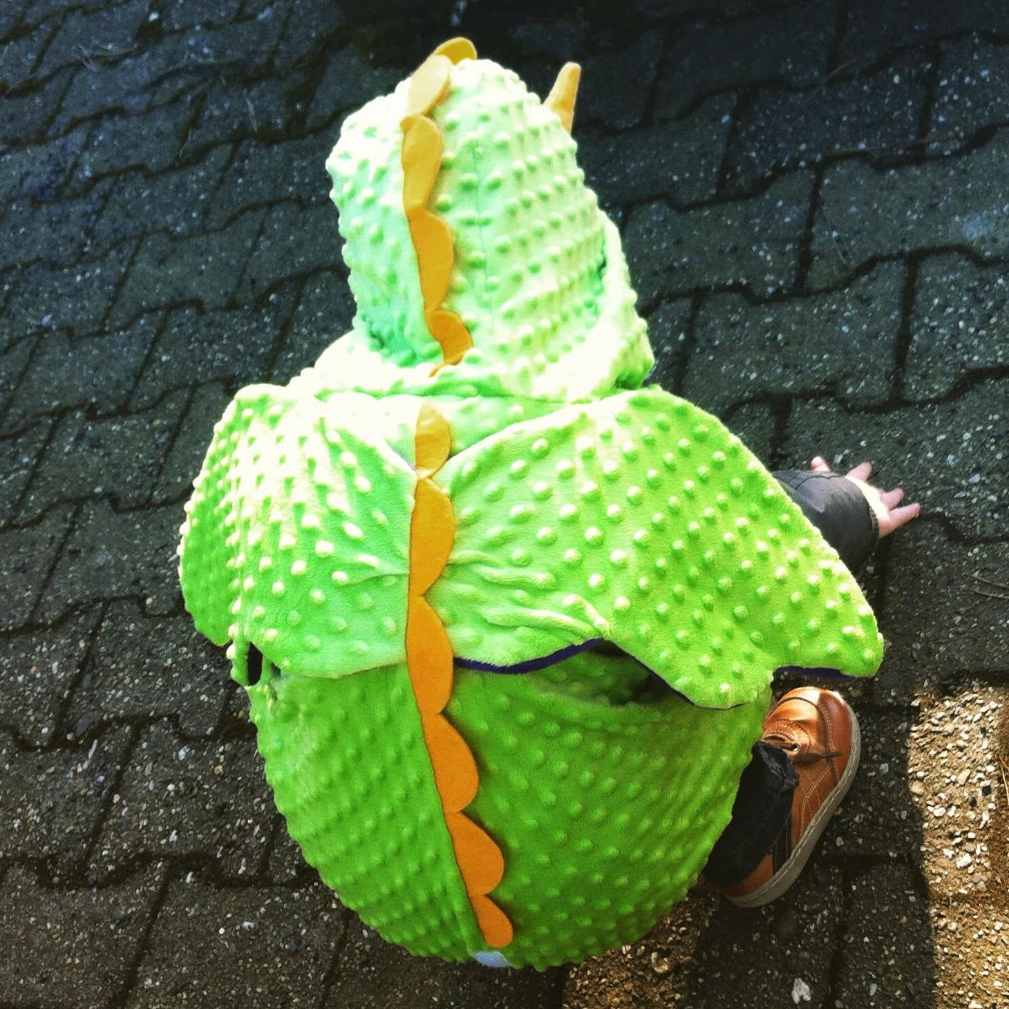 Zwuggel im Drachen-Kostüm