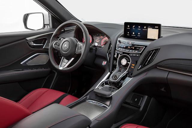 Interior view of 2019 Acura RDX A-SPEC