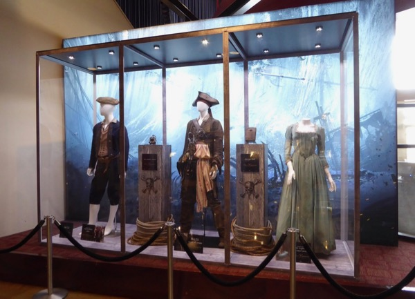 Pirates Caribbean Dead Men Tell No Tales costumes