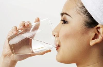 Manfaat Minum Air Putih Setelah Tidur