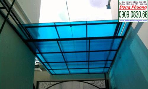 Lắp đặt mái poly giúp nhà bạn che mưa,lấy sáng tốt