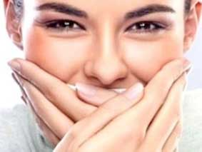 Tips Menghilangkan Bau Mulut saat Puasa