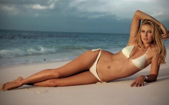 Hot girls 3 sexy Russia tenis players with bikini 4