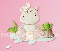silueta de madera infantil hipopótamo en su charca babydelicatessen