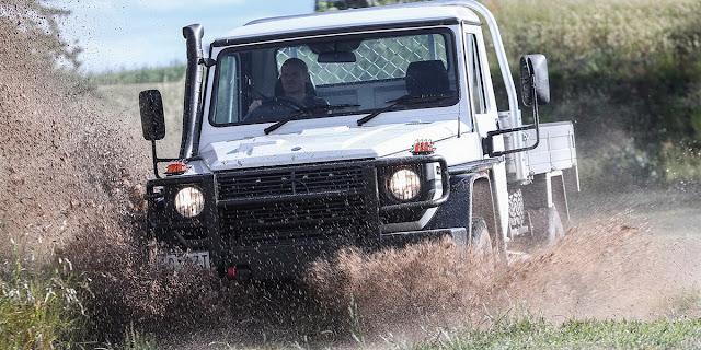 Chiêm ngưỡng xe bán tải Mercedes-Benz G300 CDI mới ban tai mercedes benz g300 cdi 01