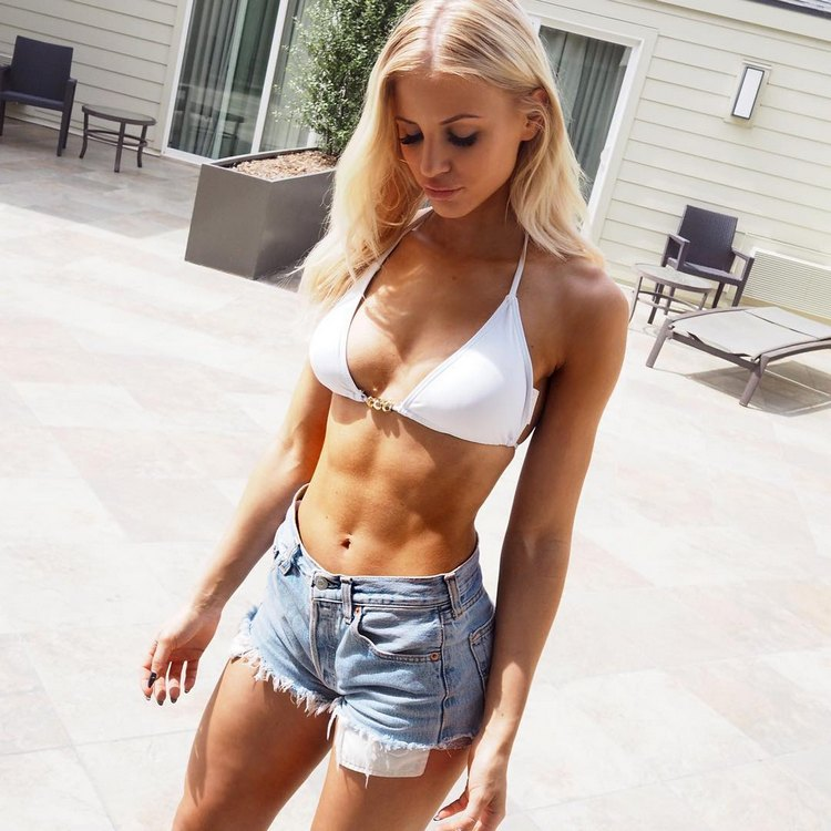 Linn Lowes Fitness Model