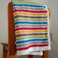 http://gateandocrochet.blogspot.com.es/2016/08/patron-manta-crochet-para-bebe.html
