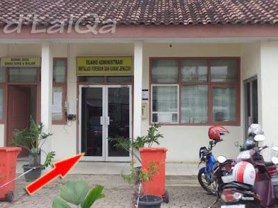 ruang administrasi instalasi forensik dan kamar jenazah