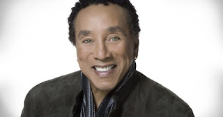 Smokey Robinson will pay special tribute to Aretha Franklin