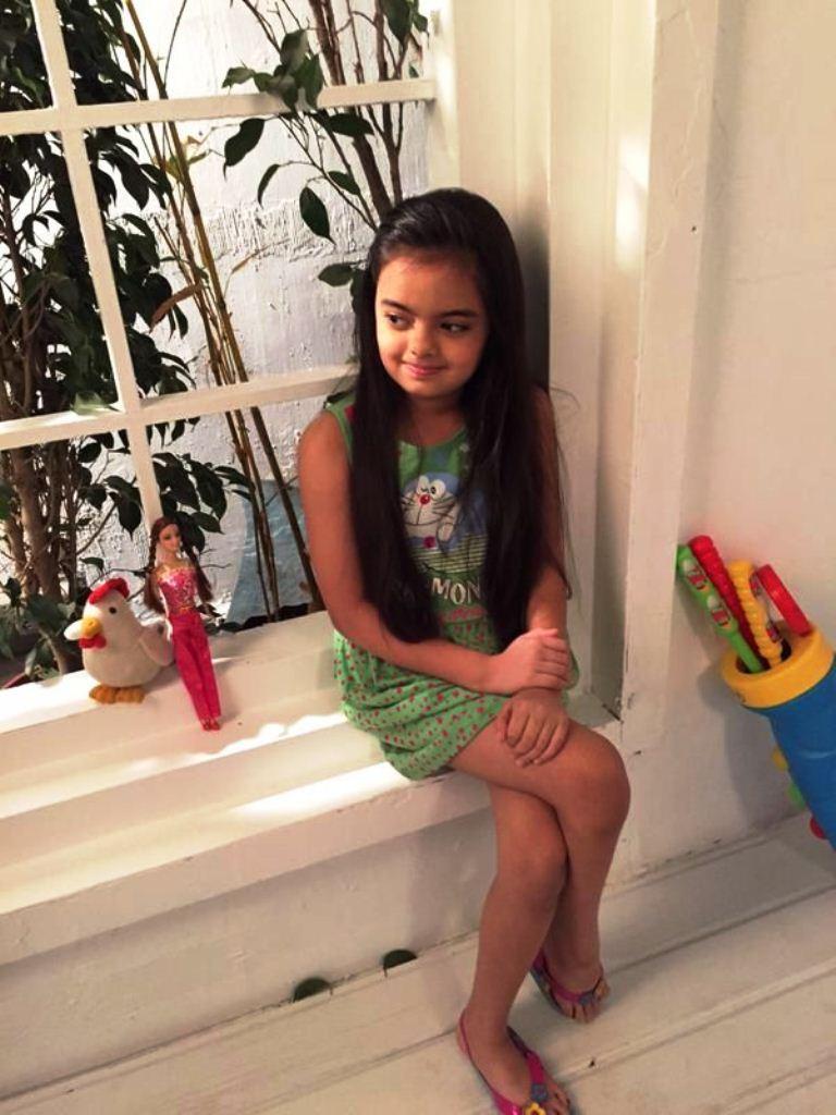 Foto Ruhanika Dhawan_Pemeran Ruhi Raman Bhalla_Serial Mohabbatein ANTV_Cantik Imut Cerdas_tujuh belas