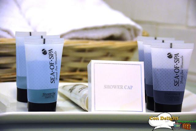 סבונים ומגבות Soaps and towels