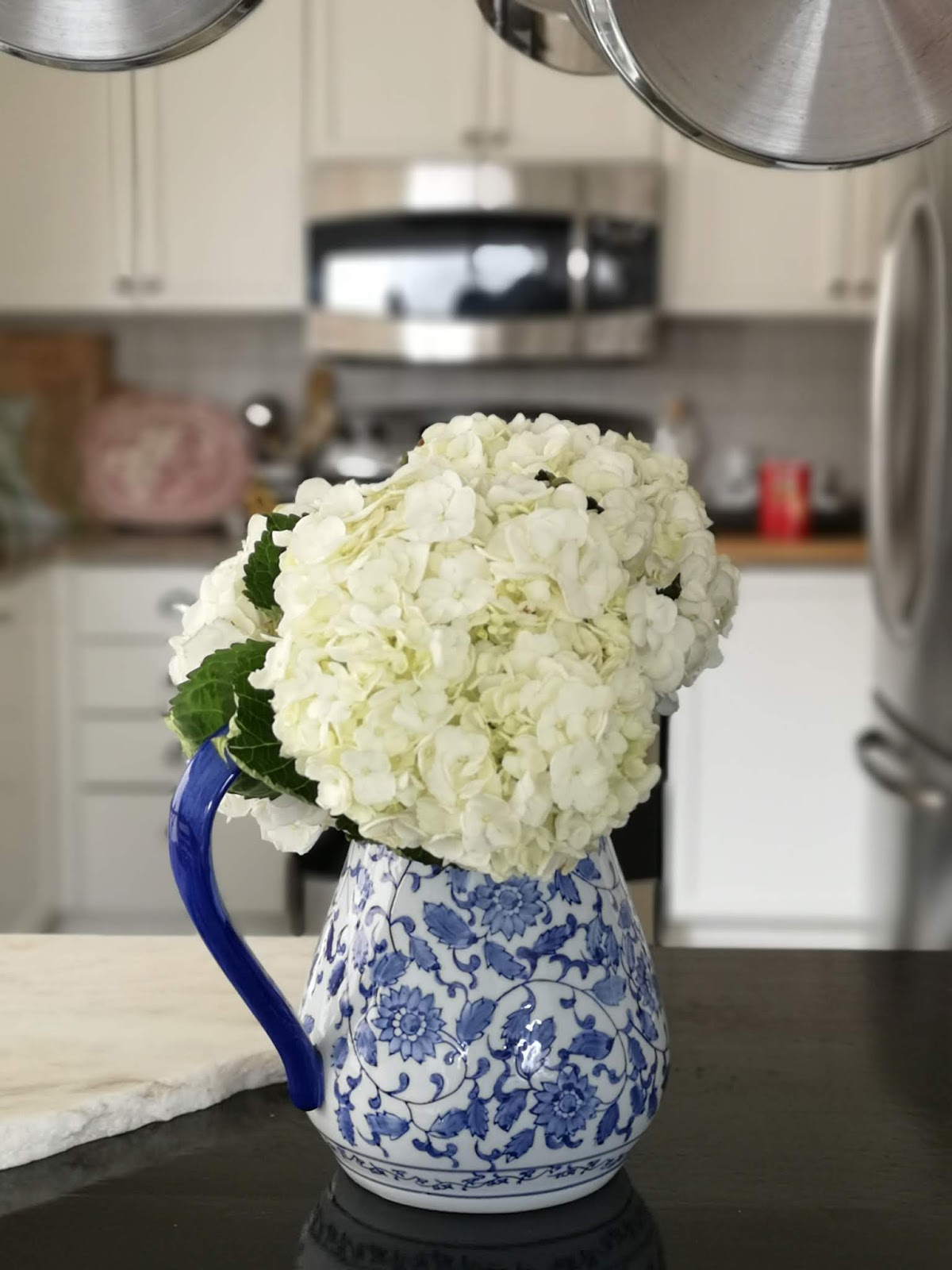 hydrangeas, blue and white