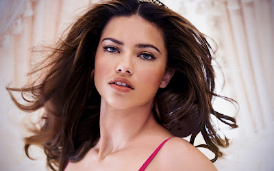Adriana Lima Hd Wallpapers images  Latest Adriana Lima Hd Photos  Download Adriana Lima Hot Images  Hd Pictures of Adriana Lima   Brazilian Actress Adriana Lima Hd Pics