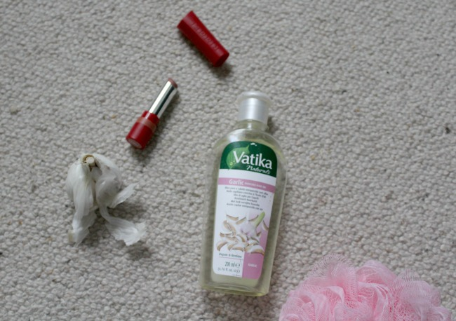 Vatika Garlic Hair Oil review. Nourish ME: www.nourishmeblog.co.uk