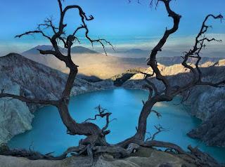 http://www.bromotravelagency.com/2019/04/mount-bromo-ijen-crater-tour-package-3.html