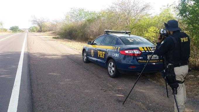 PRF flagra motorista a 164 km/h na BR-324, entre Capim Grosso e Nova Fátima