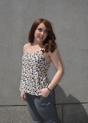 https://www.yaap.com/shopping/pantalon-cordon-gris_anuki1460629657087.html#List