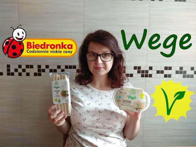 test wegańskiego jedzenia z Biedronki, wegańska oferta Biedronki, Wegańskie jedzenie w Biedronce, wegańskie jedzenie, test jedzenia, co jedzą weganie
