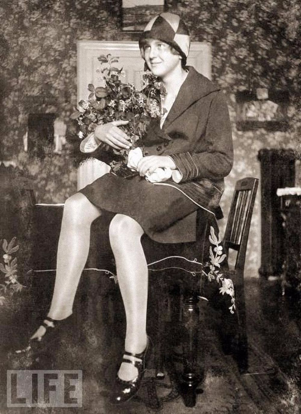 Eva braun 39 s life in pictures 20 rarely seen photos of for Living naked at home