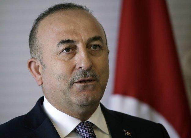 Ο Τσαβούσογλου αποκαλεί την Ελλάδα «καταφύγιο Τούρκων εγκληματιών»