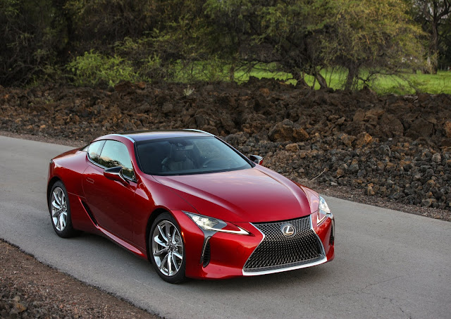 Front 3/4 view of 2019 Lexus LC 500