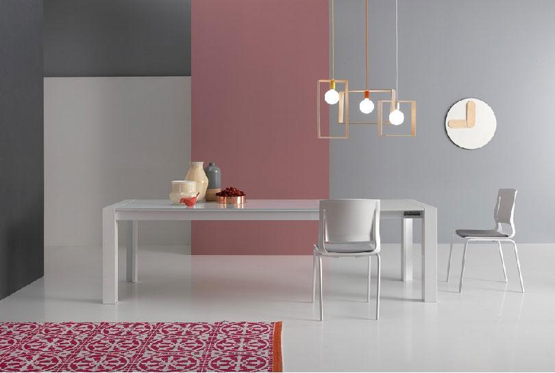 Tavolo allungabile Milano Long di Point House piano in vetro
