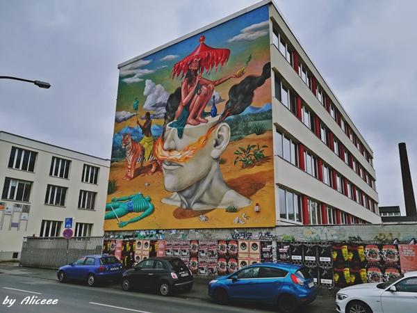 Cartierul-cu-graffiti-Ehrenfeld-Koln