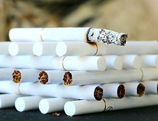 En un 22% de los hogares valencianos al menos una persona fuma habitualmente