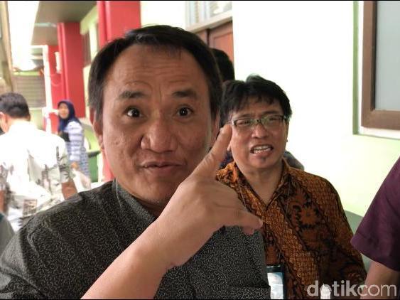 Andi Arief: Jokowi Tidak Takut Teroris, Tapi Takut Cuti