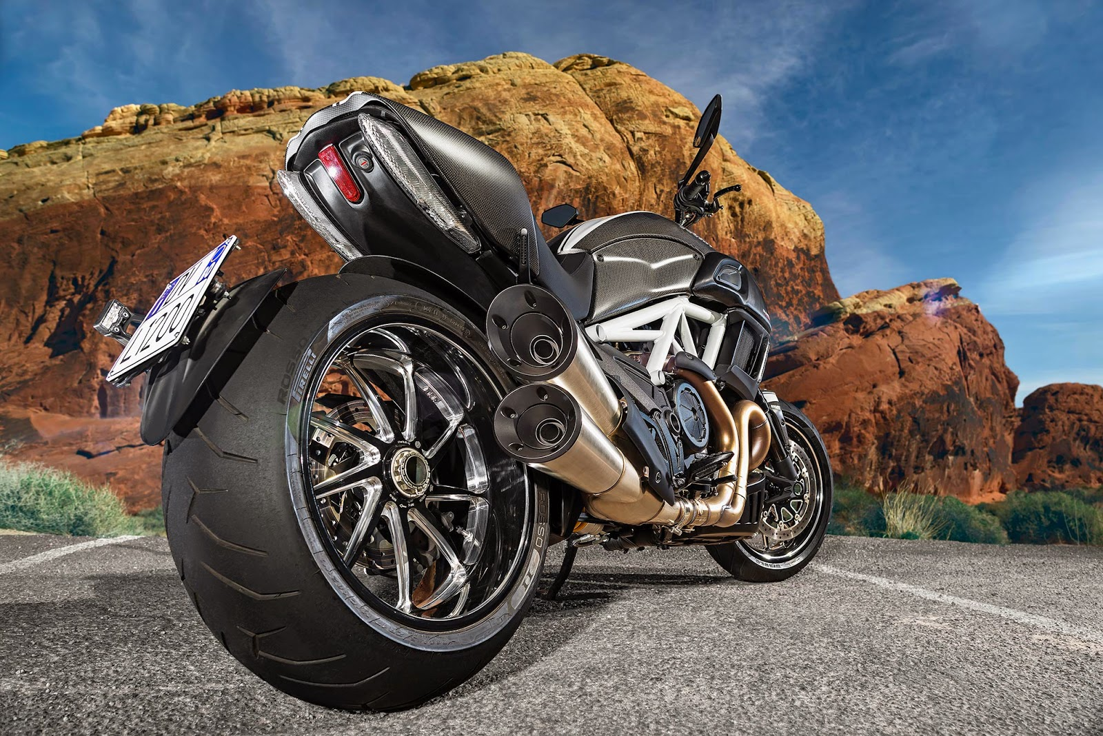Super Bike Dreamers 2015 Ducati Diavel Carbon