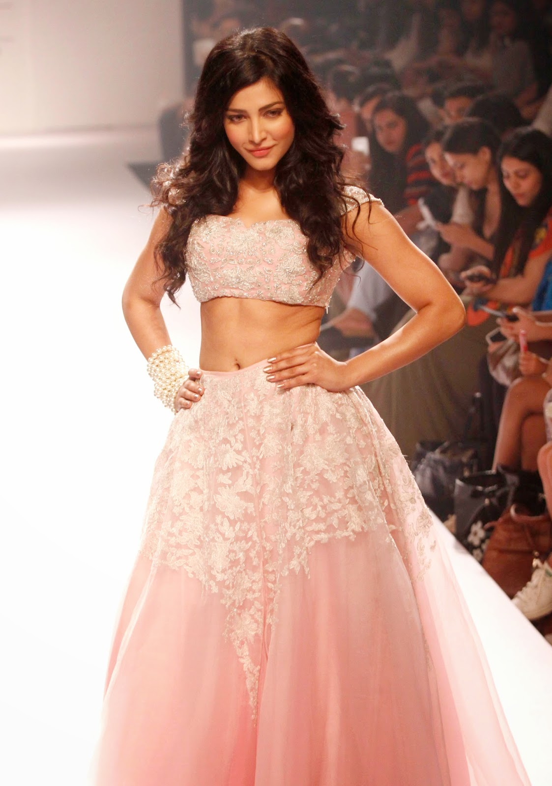Shruti Haasan Hot Navel Show Wallpapers In Pink Dress