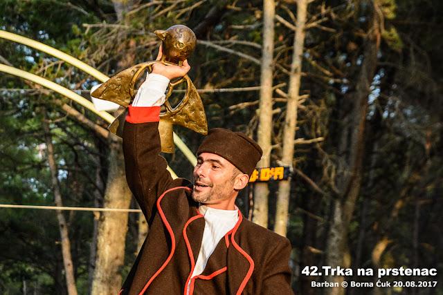 Pobjednik 42.trke na prstenac u Barbanu Maksimilijan Rojnić