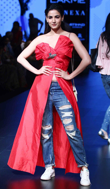 All Bollywood Celebrity at Lakme Fashion Week 2017 In Mumbai