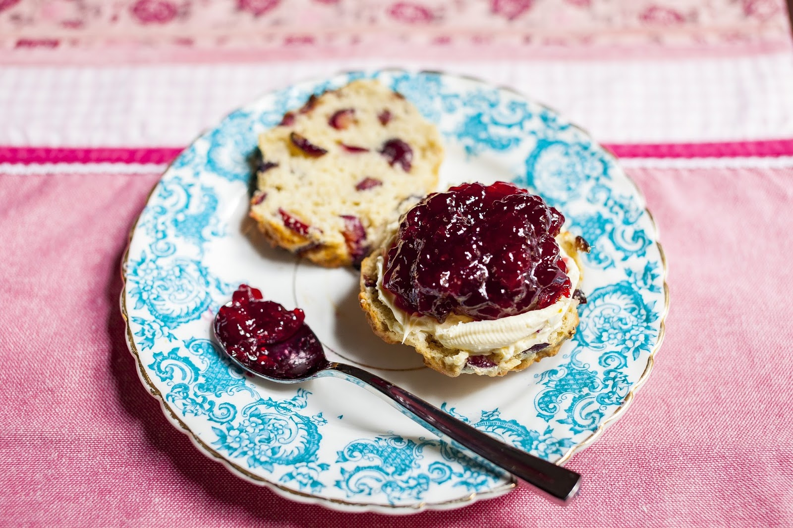 Jerte Picota Cherry Scones: Afternoon Tea