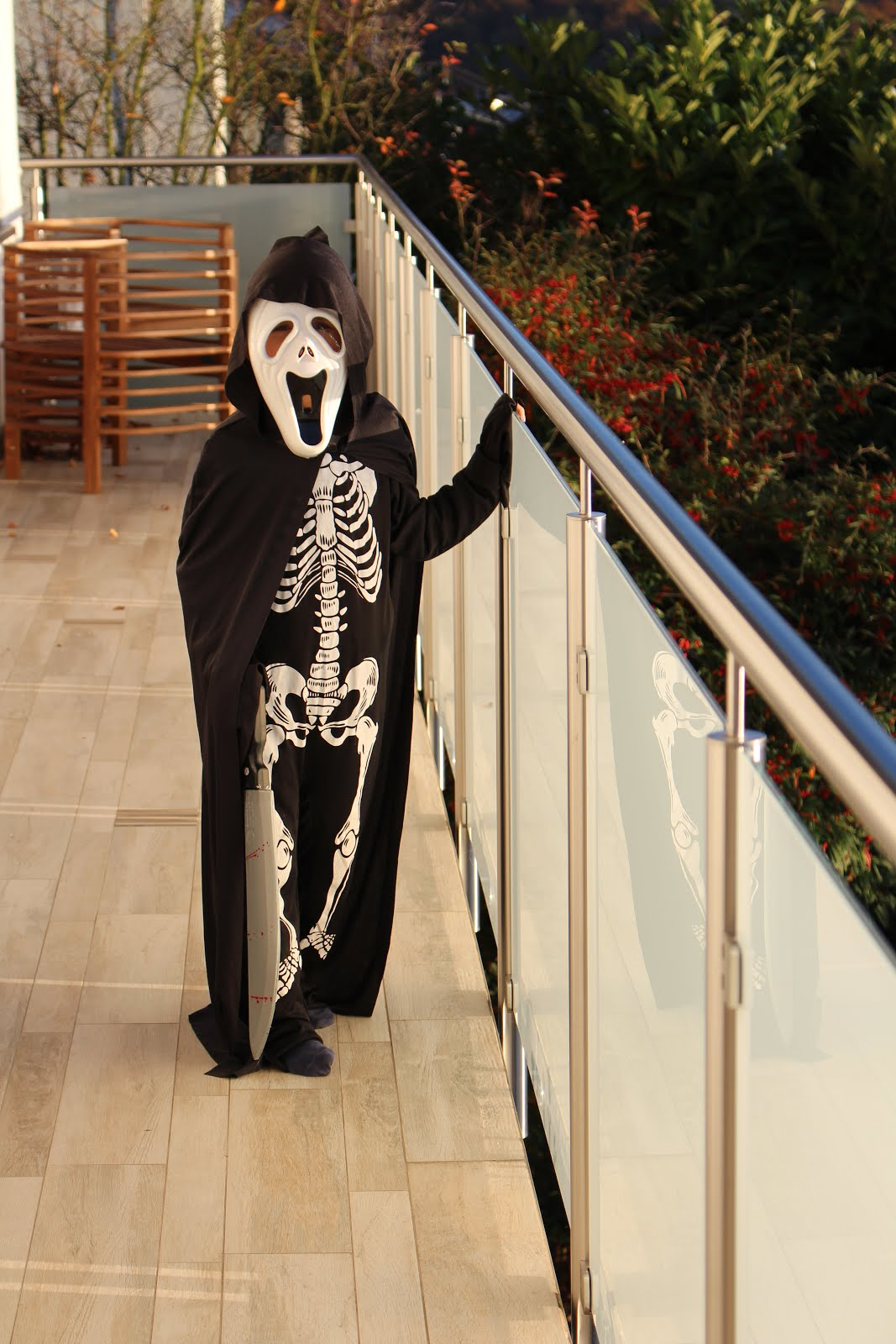 Jo ist verkleidet: Happy Halloween!