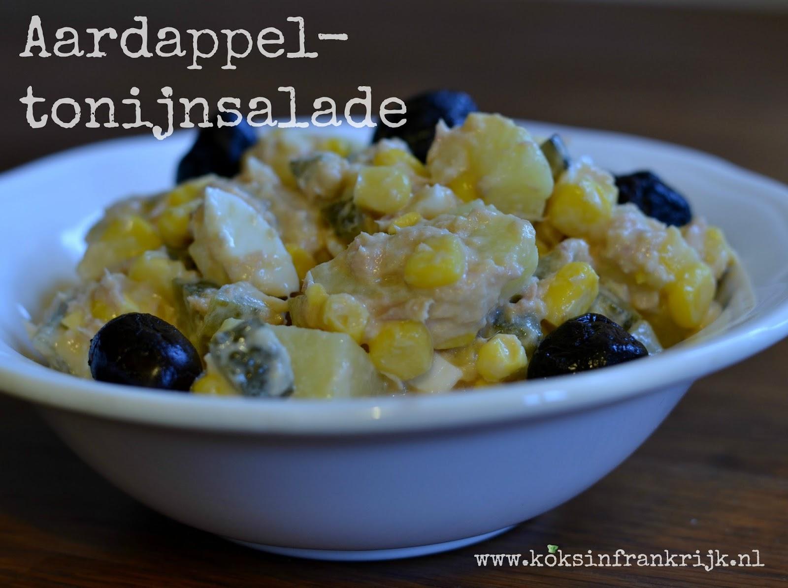 Huisgemaakte aardappel-tonijnsalade met mais en olijven