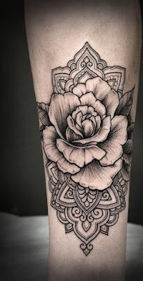 Tatuajes de Rosa