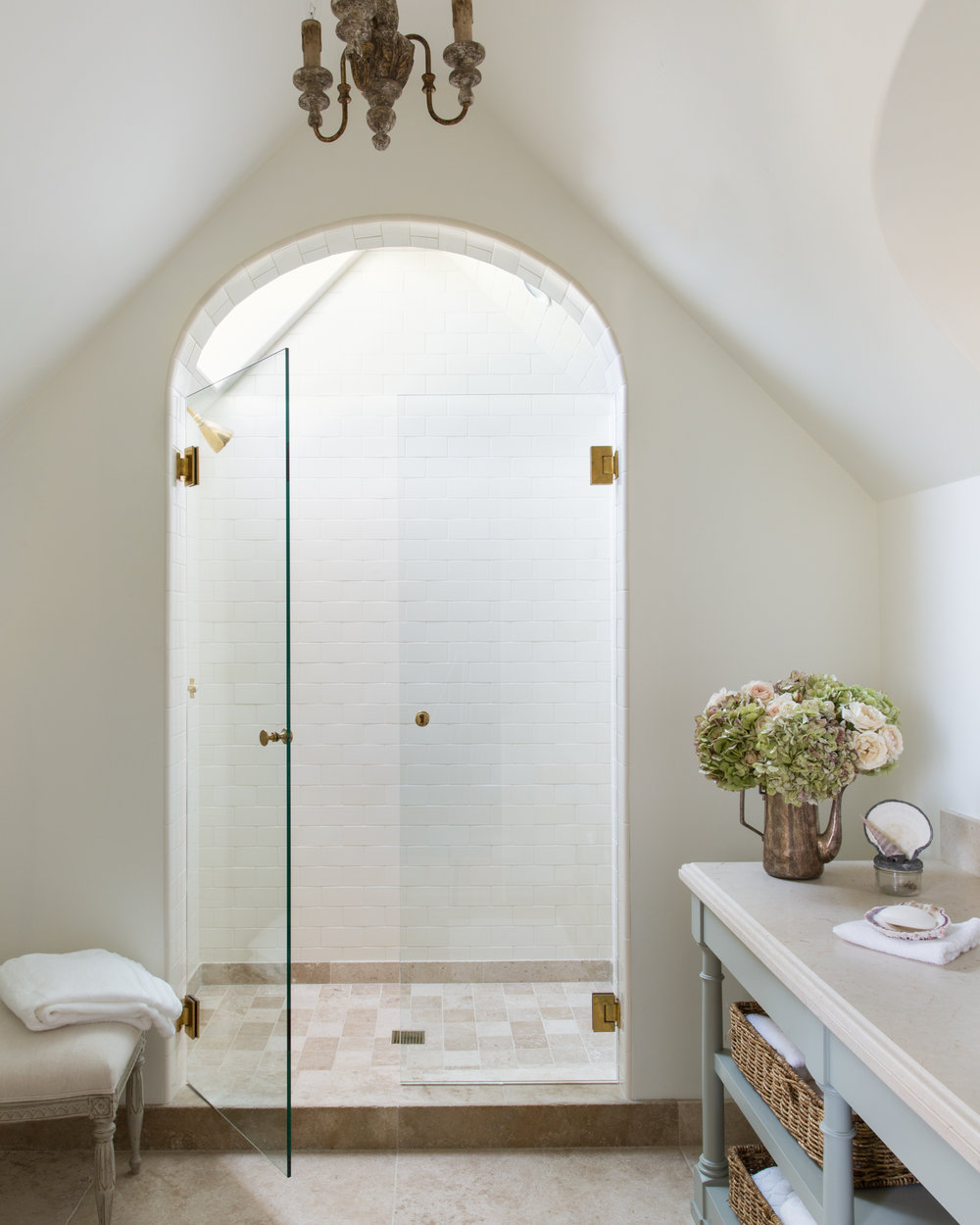 Romantic French farmhouse style bathroom - found on Hello Lovely Studio