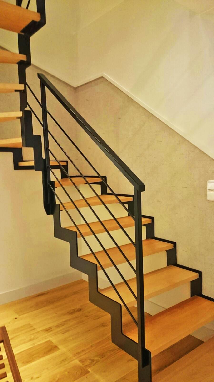 escaleras metlicas interior adems realizamos portones barandas piezas en general en acero inoxidable desde dimensiones pequeas hasta amplias aportando