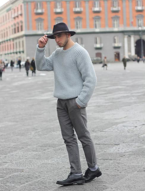 come abbinare un cappello a falda larga outfit uomo