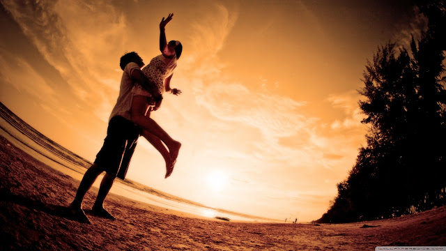 Couple in Love HD Wallpapers Free Download