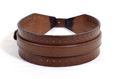 Collare largo frangiato per cane da traccia taglia L realizzato e cucito a mano in cuoio marrone