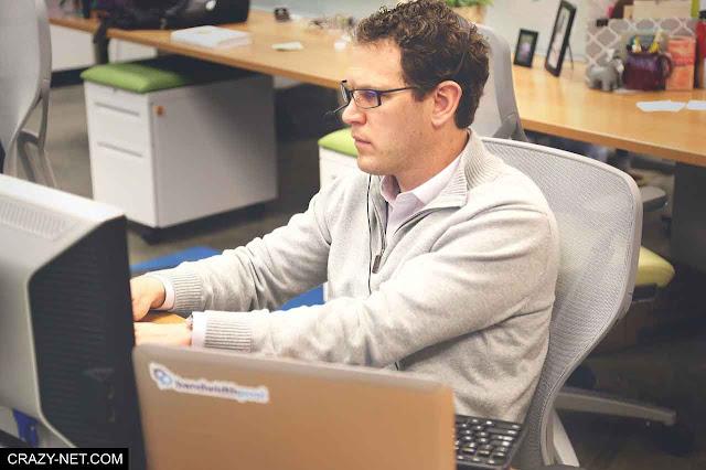 لهذه الاسباب افضل اللاب توب عن الكمبيوتر المكتبى ديسك توب