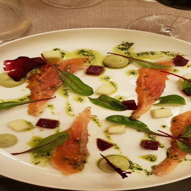 Parigi, primo piatto di pesce al ristorante Cassenoix